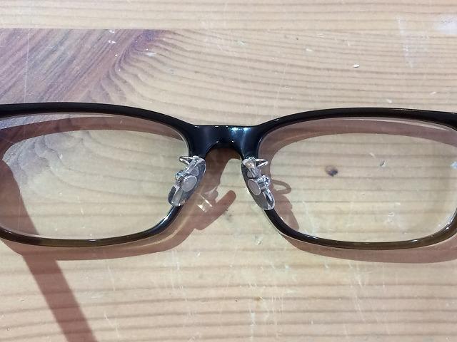 ポールスミスメガネの鼻あて金具が折れた!ので修理