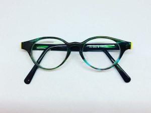 こども用グリーンのボストン型メガネ(当店工房オリジナルハンドメイド)