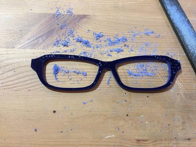 大きい顔に似合うメガネが欲しい