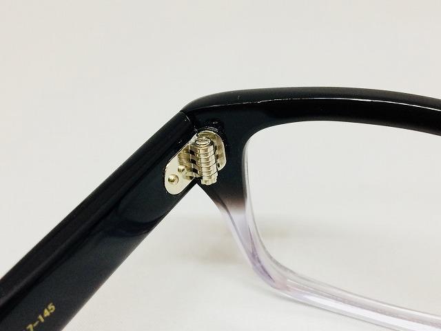 セルロイド素材の黒白ハーフレトロメガネ7枚蝶番
