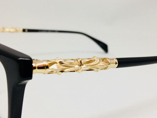 ゴールドオーナメントがおしゃれなLサイズ黒ぶちメガネ