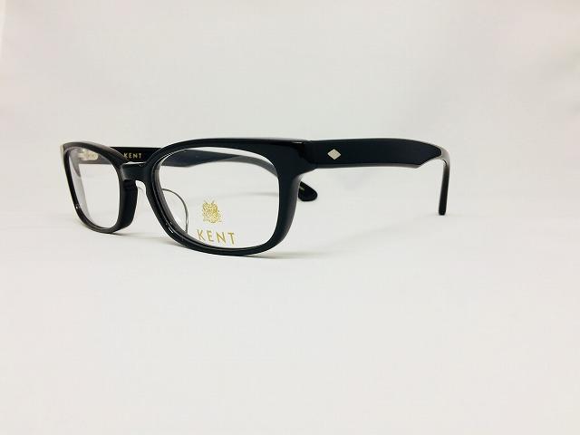 ピカピカ黒ぶちメガネで新生活を迎えましょう!