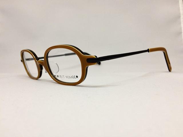 ユニークでかわいいキャメルブラウン&ブラックのデザインメガネ