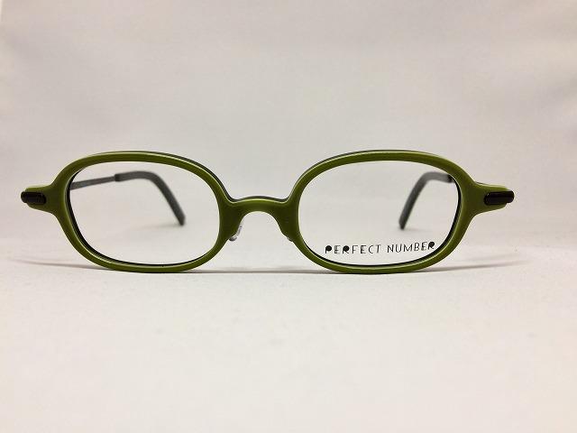 グリーンが好きなので「緑のメガネ」取扱いが多いです♪