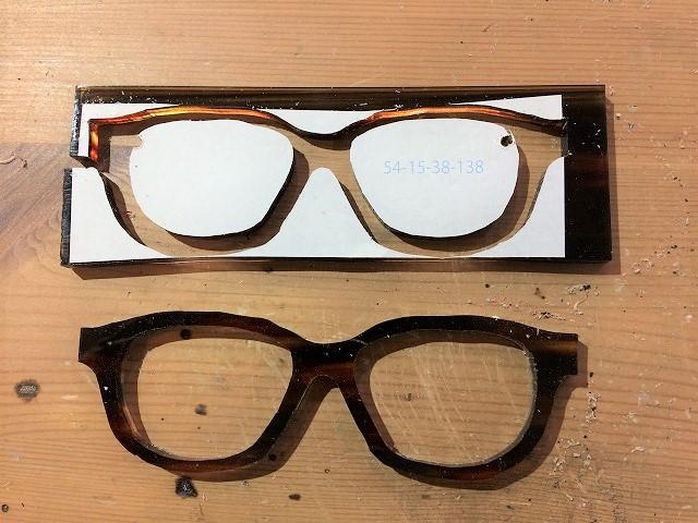小顔に見える?メガネをオーダーメイド