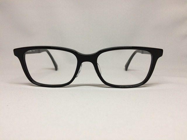 福井県鯖江市の上質な黒ぶちメガネ