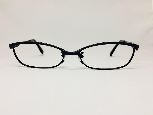 シンプルでカッコいい黒いメタルメガネ