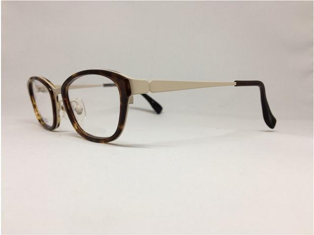 ビスコッティとコーヒーブラウンの秋色メガネ