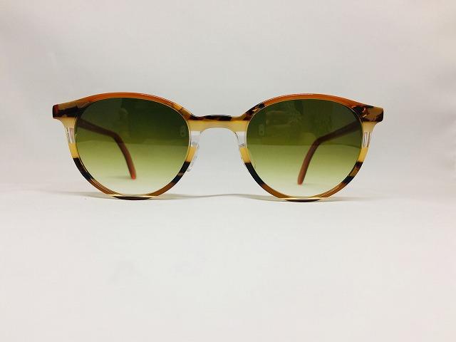 秋らしいアースカラーのサングラス(ドイツ製)