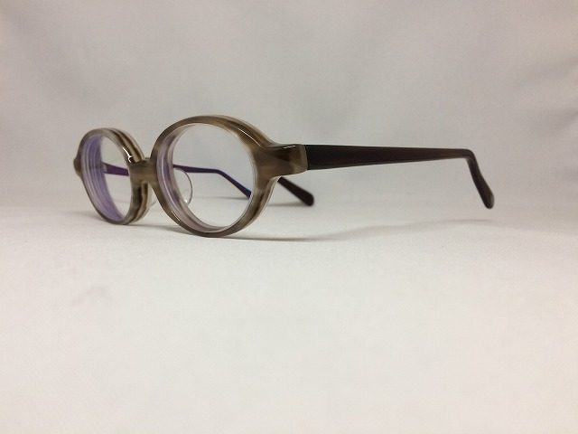 メガネを買ったけど強度近視レンズが厚いのでフレーム交換して快適にカスタムしたい