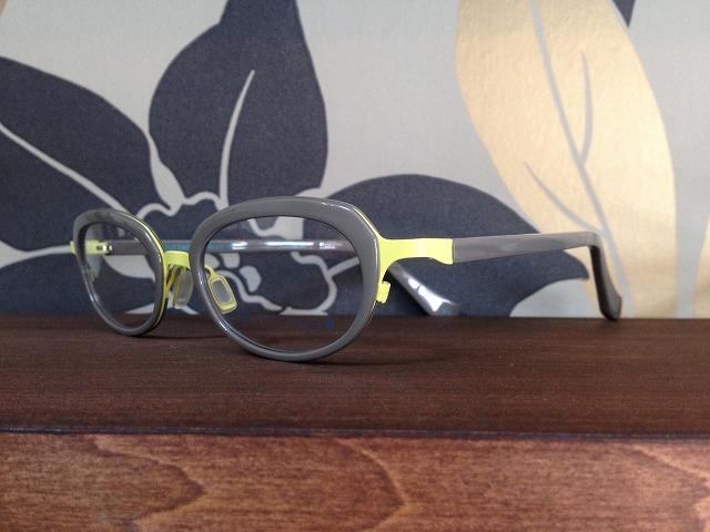 小さい顔用のメガネ