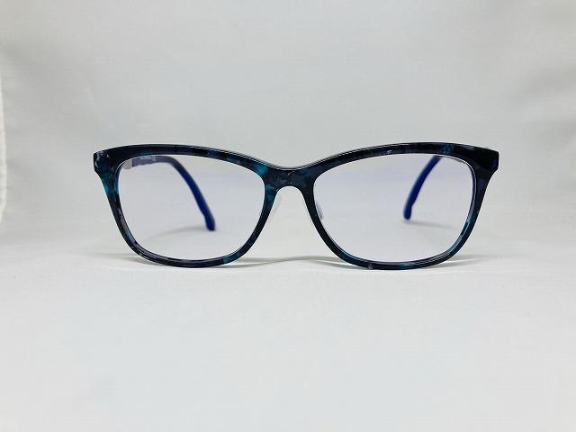 ダニエル・スワロフスキー(Swarovski&co)のブルーのメガネ