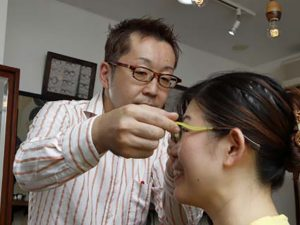買い安い通販メガネの注意点(コロリトゥーラ)フィッティング