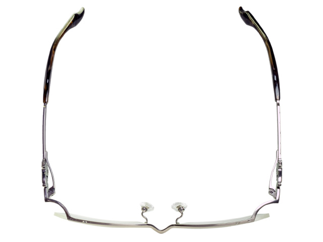 「進撃の巨人」の世界観をイメージして制作されたコラボ眼鏡(広島市)