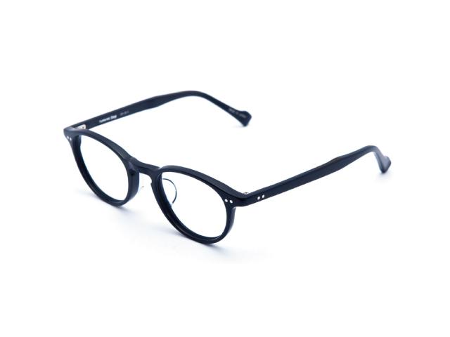 ネイビー&グレーが調和した上品なオリジナルサングラス